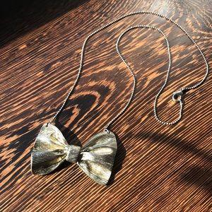 Jewelry - Bow necklace
